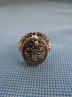 Viktorianus időkből származó,cián kapszula tartó, anyaga ezüst  gyűrű  KURIOZUM