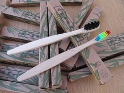 Bambusz fogkefe fa nyéllel - 100% Natural, felnőtt méret 17.5cm.