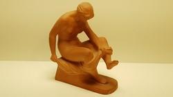 Deák László törölköző női akt terrakotta szobor
