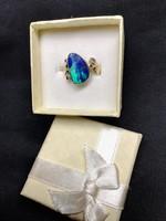14 karátos egyedi tervezésű 3,02 ct-os boudler opál köves gyűrű