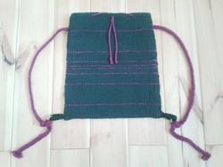 'KARIKÁS' kézzel szőtt gyapjú hátizsák leírása