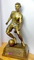 Futballista relikvia, nagy méretű műgyanta szobor, sport gyűjteménybe.