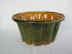 Régi zöld mázas cserép v. kerámia kuglófsütő