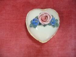 Ens szív alakú bonbonier