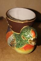 Festett jelzett japán tojástartó madár. Mérete: 6 cm magas.