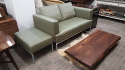 Internationale Möbel Selection Sofa + Ottoman