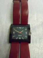 Mexx kvarc szerkezetű nagyméretű női különleges óra olcsón acél tok bőr szíj