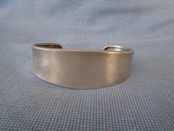 Ezüst széles nyitott karperec komoly darab