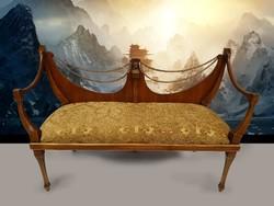 Empire stílusú kanapé