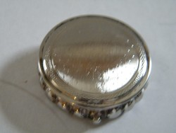 Kis tükrös szelence, doboz (KIGU)