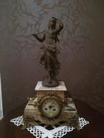 Antik kandalló óra női szoborral