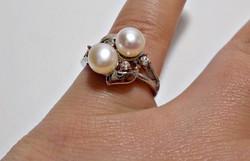 Fehér tenyésztett gyöngy és cirkóniával díszített bizsu gyűrű 57-es méret