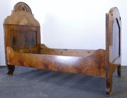 0E345 Antik neobarokk ágy heverő