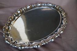 Ovális alakú ezüst tálca Diannás jelzéssel
