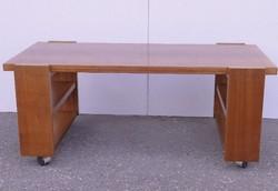 0C871 Retro gurulós nagyméretű dohányzóasztal
