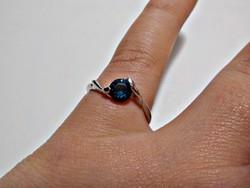 Sötét kék cirkóniaköves bizsu gyűrű 57-es méret