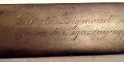 """Vésett bronz""""kardlap""""relikvia 1895.- László Zsigmondnak a Ig.MIn.Börtönügyi szakosztály főnökének"""