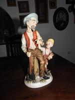 Öregapó a kisunokájával - nagyméretű hihetetlen részletgazdag porcelán szobor