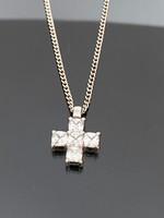 Mesés ezüst nyaklánc és Medál cirkónia díszítéssel