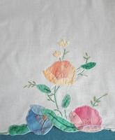 Antik, hímzett terítő, tálcakendő, 38 x 53 cm