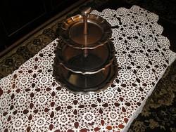 Rozsdamentes asztali sütemény- és gyümölcskínáló, szétszerelhető