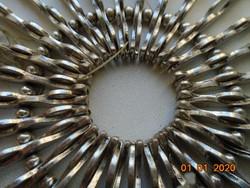 """""""Vas lady""""ezüst színű hullámos 58 db fém lapocskákból karkötő"""