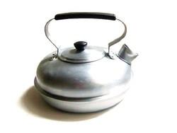   Régi szép lapos teáskanna, nem hagyományos ritka forma (körling)