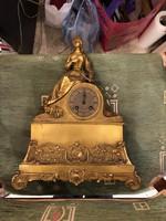 XIX. századi francia bronz kandalló óra, gyönyörű öntés, 50 x 45 cm-es