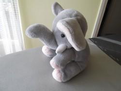 Plüss elefánt eladó!