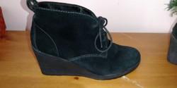 Medicus fekete női bőr telitalpú bokacipő,bokacsizma, 4-es méretű , újszerű,keveset használt