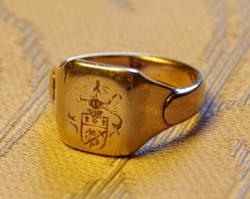 Nemesi család pecsétgyűrűje a 19. század utolsó harmadából, gyűjtői ritkaság, 14 K, 8 g