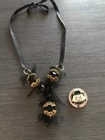 Elegáns fekete nyaklánc és ajándék táskatartó