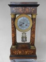 Antik négy oszlopos francia kandalló óra