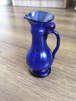 Kobalt kék fújt szakított üveg kancsó