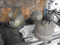 Ritka Réz Római sisak 4 db középkori lovagi katonai sisakok