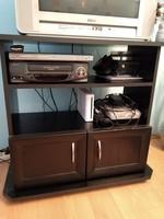 Eladó tv állvány / nappali szekrény / komód