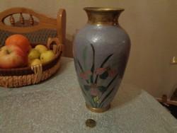 Nagy, nehéz, és díszes zománcozott réz váza