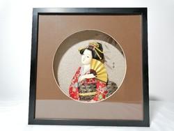 Japán nő fali dísz dobozban 27 x 27  cm (115)