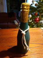Gyertya, borosüveg  formájú