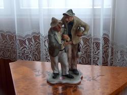 Abszolúte hibátlan bisquit porcelán szobor: Ivócimborák