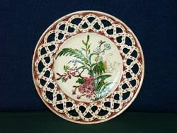 Csipkés szélű, gyönyörű antik tányér, finoman kidolgozott, jelzett