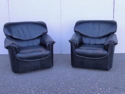 0P668 Fekete színű bőr fotel pár