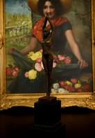 Táncos hölgy - bronz szobor