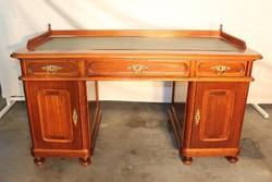 Bőrlapos,ónémet stílusú ,térbe állítható íróasztal!