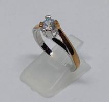 925-s finomságú ezüsttel töltött gyűrű rózsaarany bevonattal, 1,1 Ct fehér topáz kővel