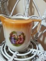 Porcelán tejszín kiöntö