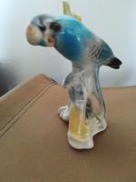 Porcelán papagáj faágon