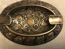 Gyönyörűséges barokk masszív 800-as ezüst hamutál.