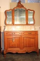 Gyönyörű márványlapos barokk mosdószekrény!