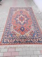 Kézi, perzsa szőnyeg.Szakadás mentes, fotók szerinti állapotban.